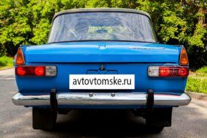 красивый ретро авто в Томске