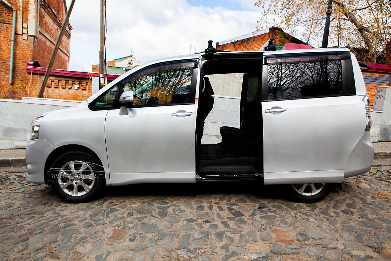Автобус Toyota прокат